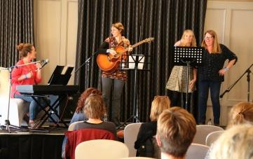 choir-leaders-band-2